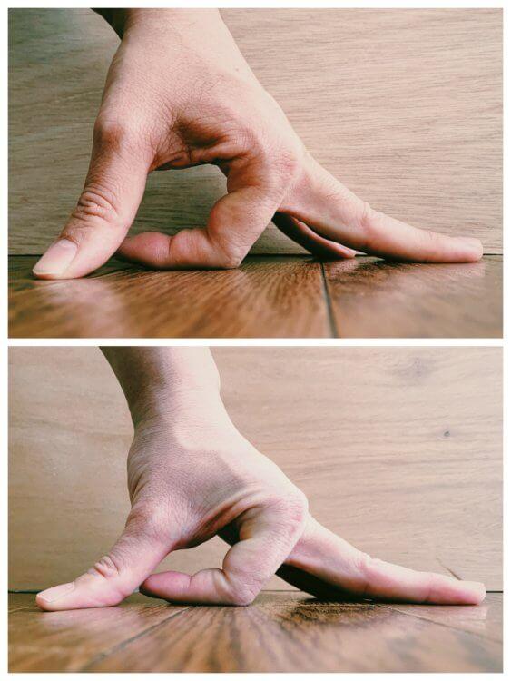 人差し指(反転)の写真